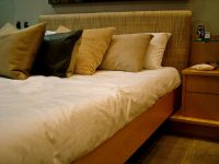 bedroom-bed-linen-1-1512942-640x480